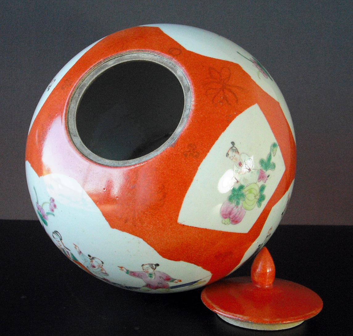 19th C. Powder-Orange Vase+Cover – People