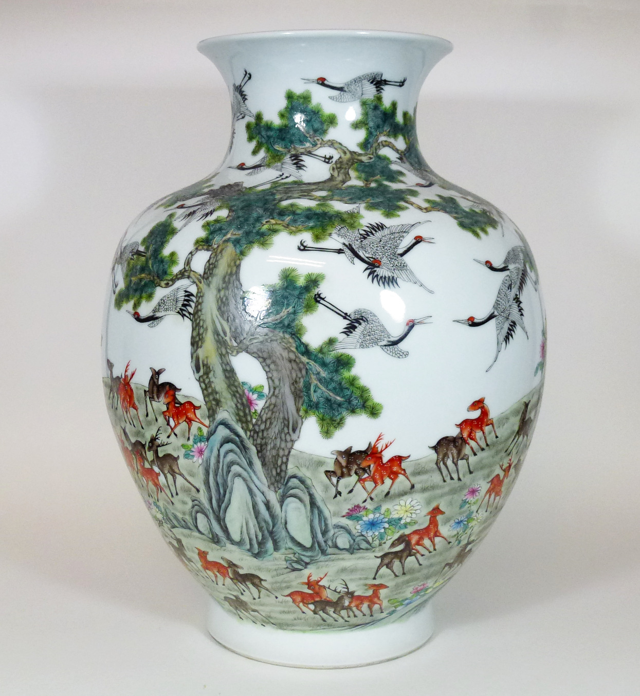 Famille Rose Vase – One Hundred Deers