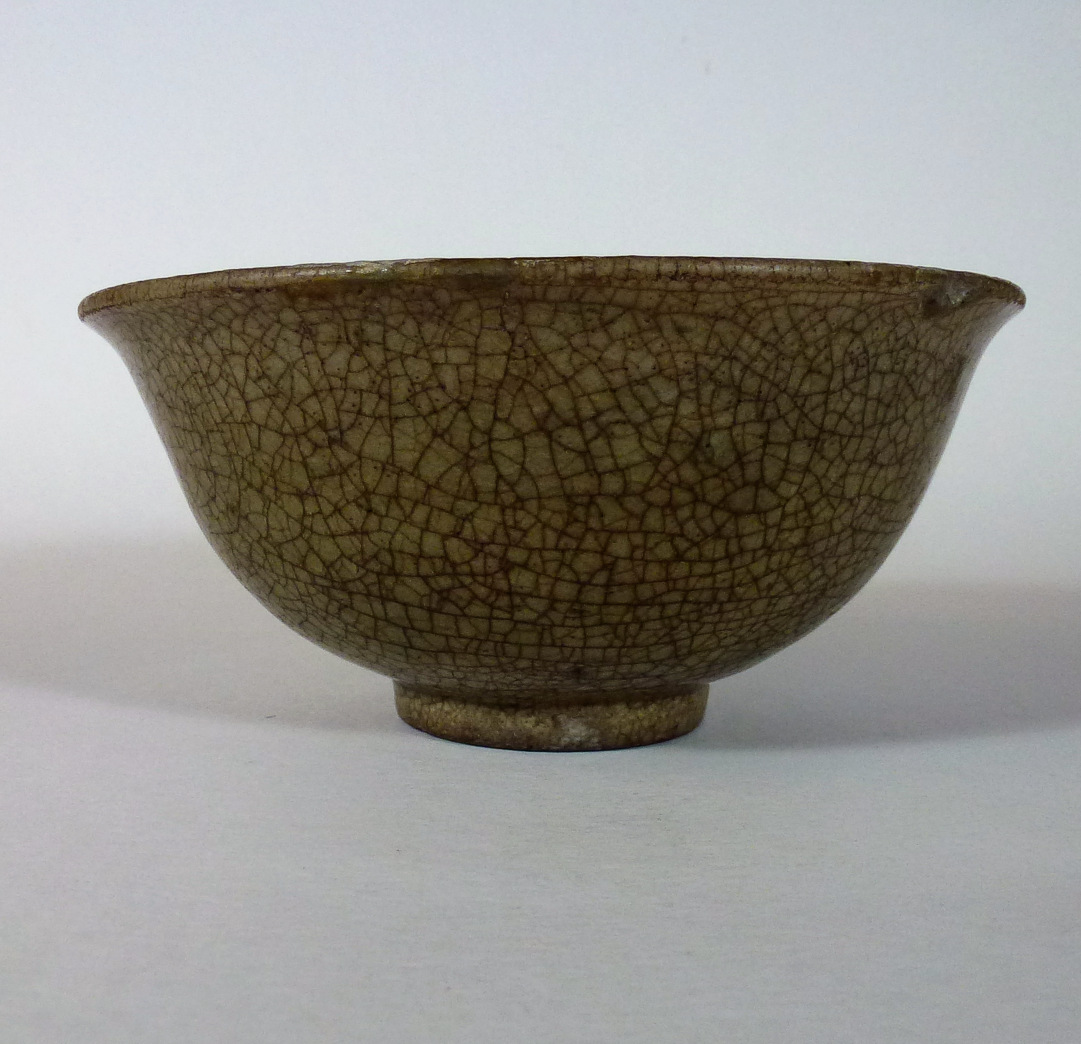 Ming 14th/15th C. Bowl – Craquele